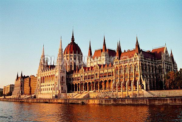 匈牙利国债移民适合哪些人士?