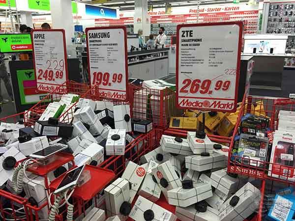 中国手机进军欧洲市场 华为受宠小米无人识