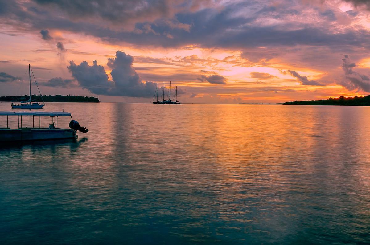 瓦努阿图驻港总领事馆开幕——捐献计划入籍项目